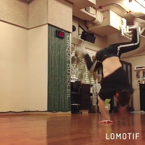 """""""I'm a lion out the jungle, raw meat what I like"""" - Vinnie Paz ————————————————— Good Weekend!✌🏼 #bboy #dance #bboying#hiphop #move #love #passion #life#breaking #practice #session #workout#gym #training #train #fitness #wizeguyz#lasvegas #cirquegram #boy #man #model#video #weekend #fun #happy #peace - @amerwgz"""